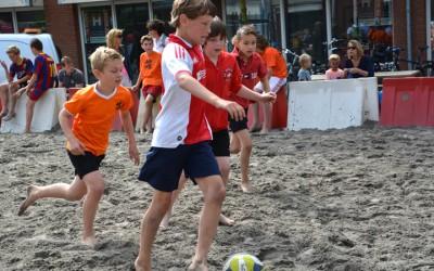 Schrijf je snel in voor het Beach Soccer tournooi